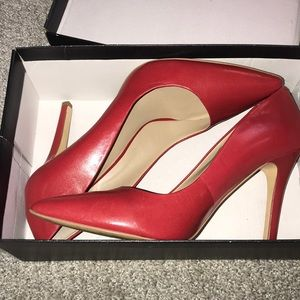 Red leather heels saks fifth avenue size 9